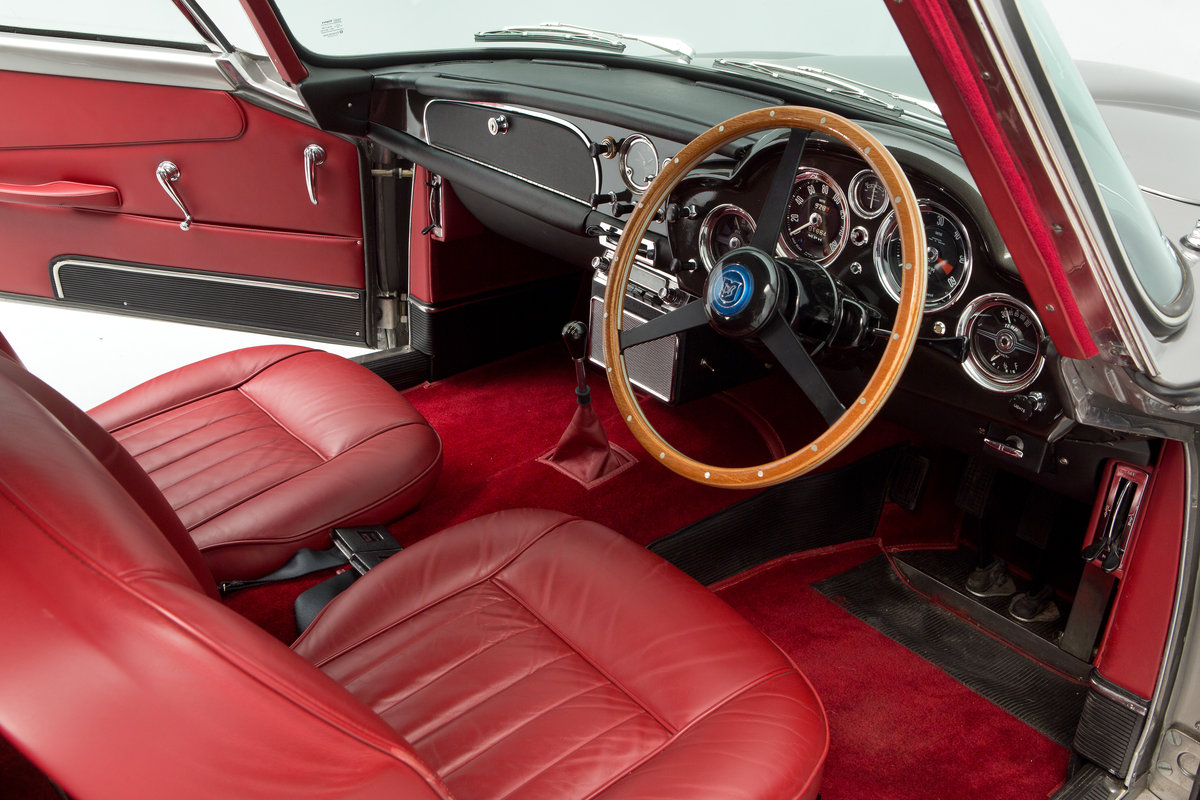 1963 Aston Martin DB4 Series 5 For Sale (picture 5 of 6)