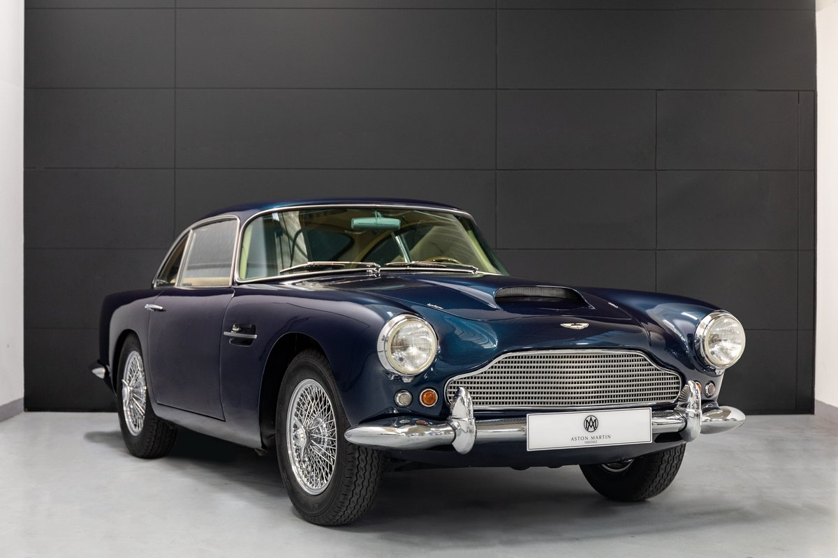 Aston Martin DB4 Series I Saloon For Sale (picture 1 of 6)