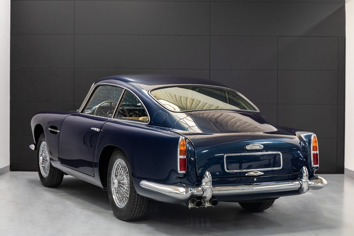 Aston Martin DB4 Series I Saloon For Sale (picture 2 of 6)