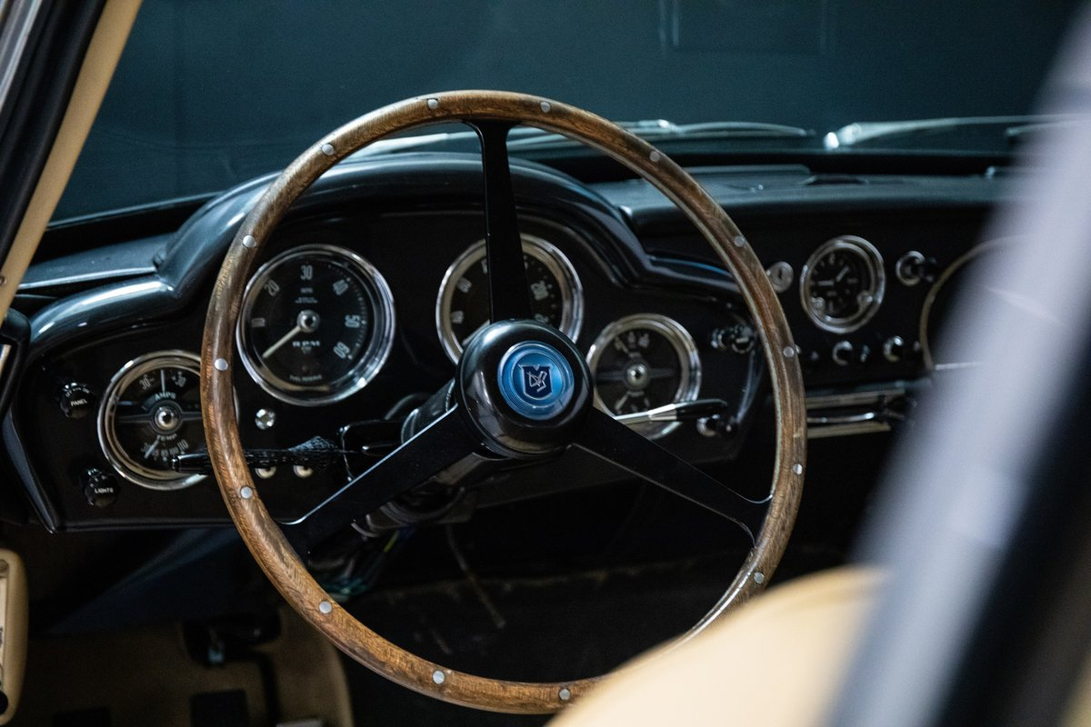 Aston Martin DB4 Series I Saloon For Sale (picture 3 of 6)