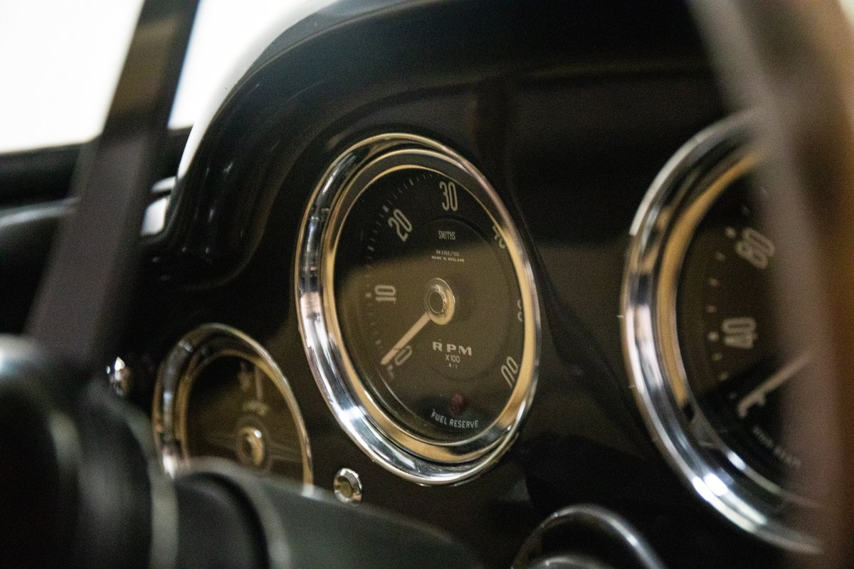Aston Martin DB4 Series I Saloon For Sale (picture 6 of 6)