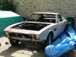 Aston V8 saloon 1974 for restoration