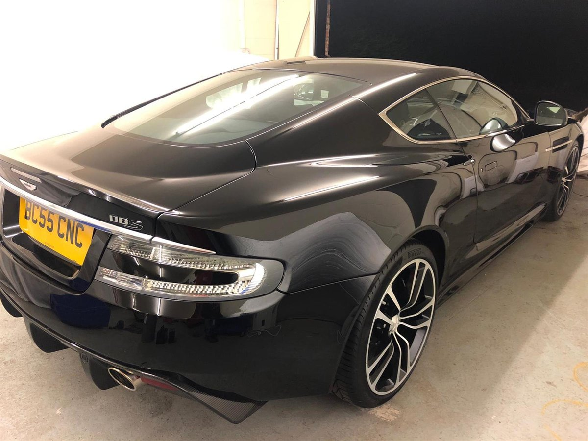 2010 ASTON MARTIN DBS V12  - CARBON BLACK  - ONLY 2800 MILES For Sale (picture 1 of 6)