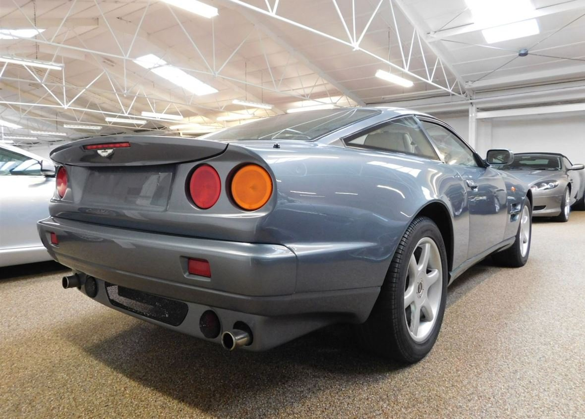 1999 ASTON MARTIN V8 COUPE ** ONE OWNER AND ONLY 14,200 MILES ** For Sale (picture 2 of 6)