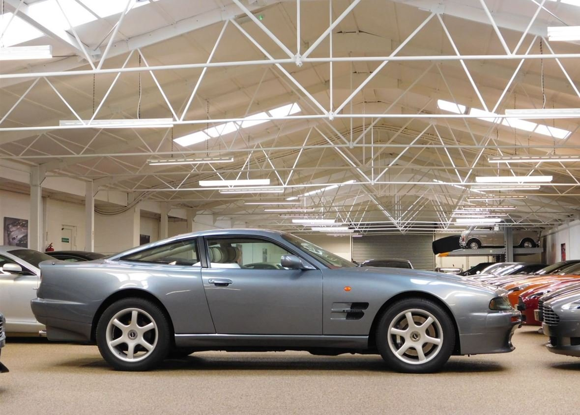 1999 ASTON MARTIN V8 COUPE ** ONE OWNER AND ONLY 14,200 MILES ** For Sale (picture 3 of 6)