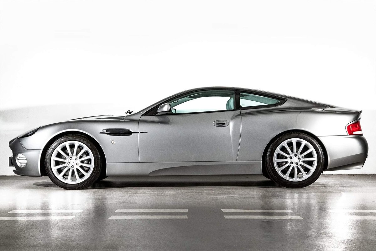 2002 Aston Martin Vanquish Ultra Low Miles LHD  For Sale (picture 2 of 24)