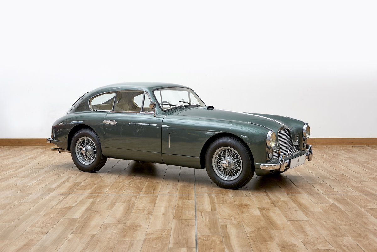 1954 Aston Martin DB2/4 Saloon For Sale (picture 1 of 6)