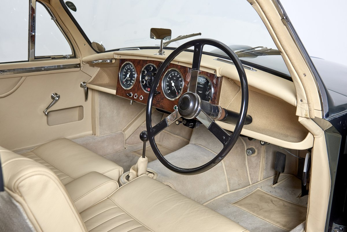 1954 Aston Martin DB2/4 Saloon For Sale (picture 4 of 6)