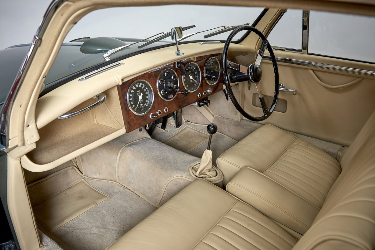 1954 Aston Martin DB2/4 Saloon For Sale (picture 5 of 6)