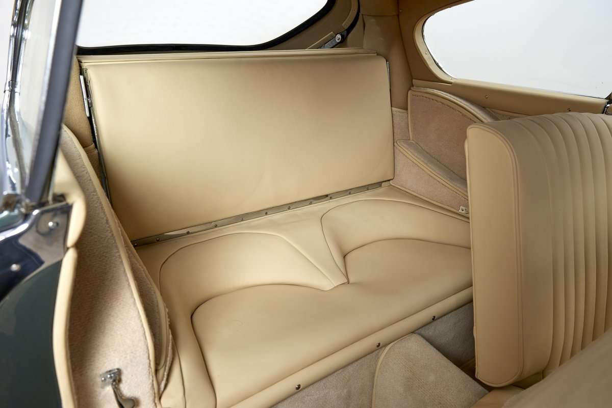 1954 Aston Martin DB2/4 Saloon For Sale (picture 6 of 6)