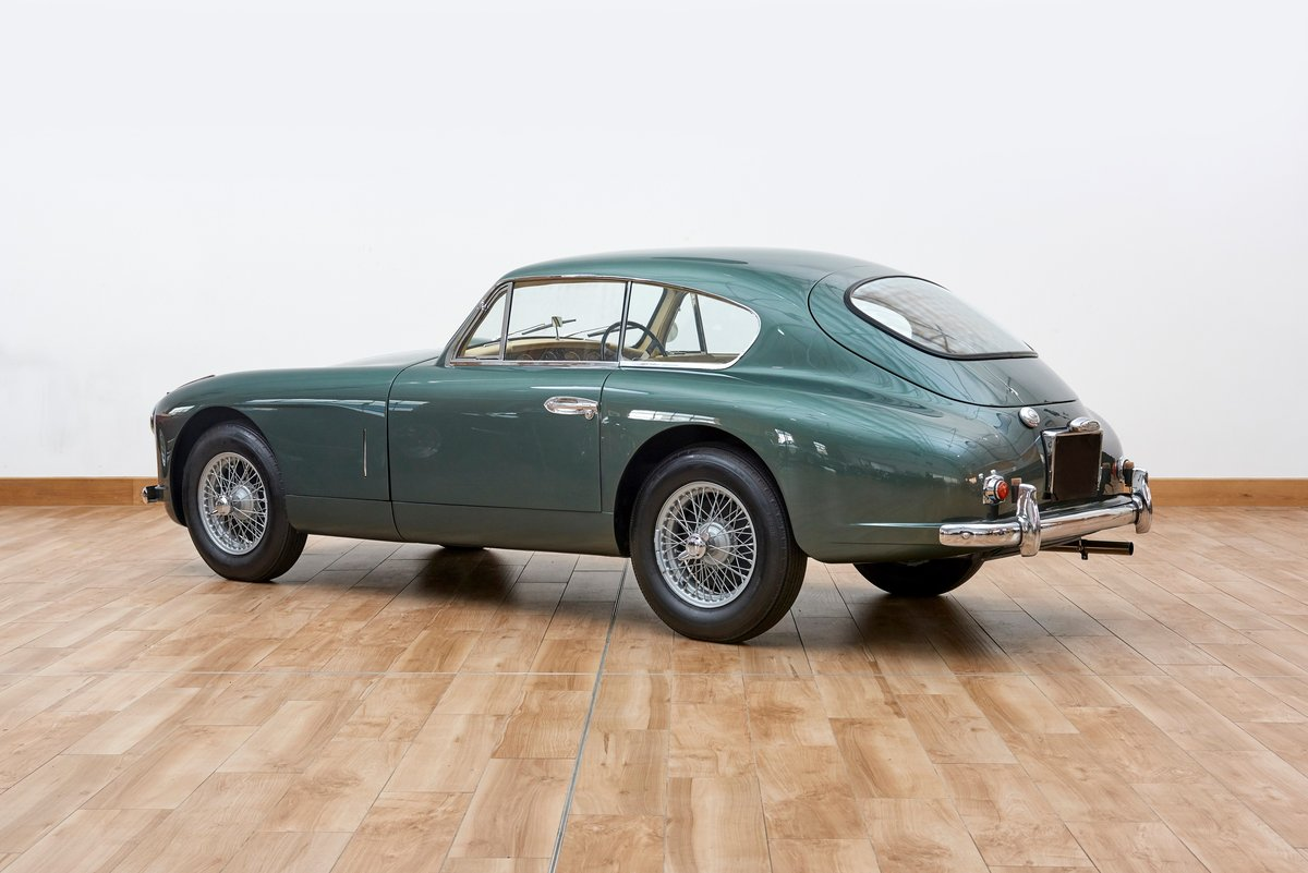 1954 Aston Martin DB2/4 Saloon For Sale (picture 2 of 6)