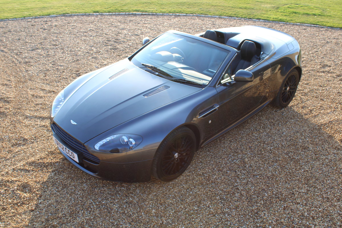 2012 ASTON MARTIN VANTAGE  - 26,000 MILES - £48,950 For Sale (picture 4 of 12)