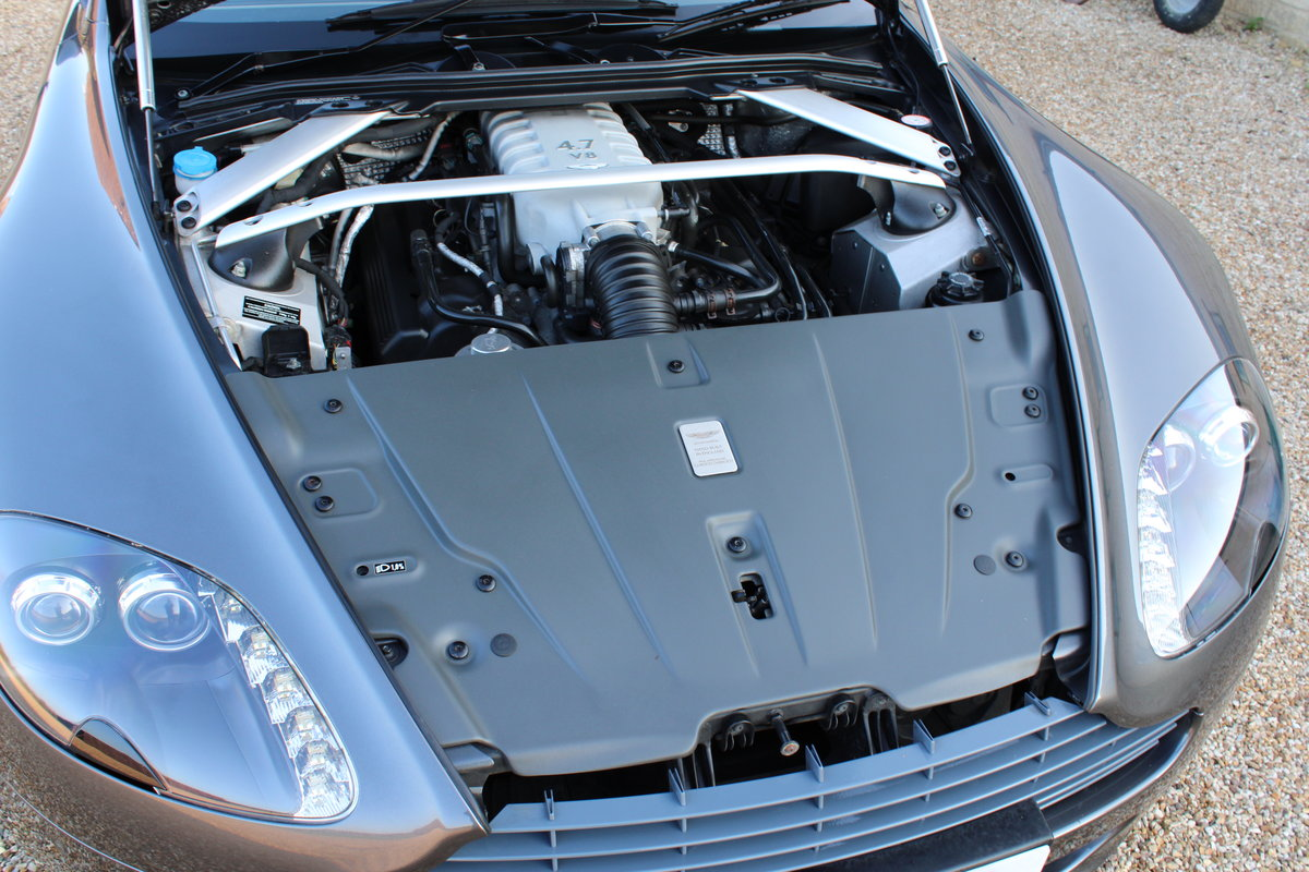 2012 ASTON MARTIN VANTAGE  - 26,000 MILES - £48,950 For Sale (picture 6 of 12)