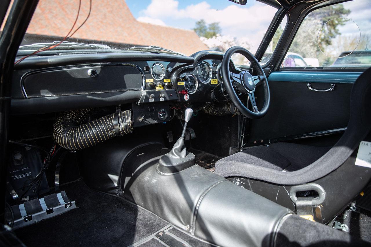 1961 Aston Martin DB4 FIA Race Car For Sale (picture 6 of 6)