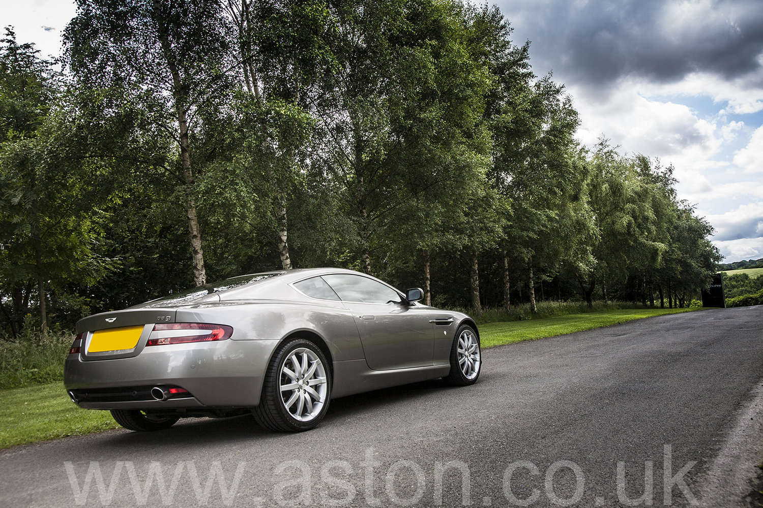 2007 Aston Martin DB9 Coupe SOLD (picture 2 of 6)