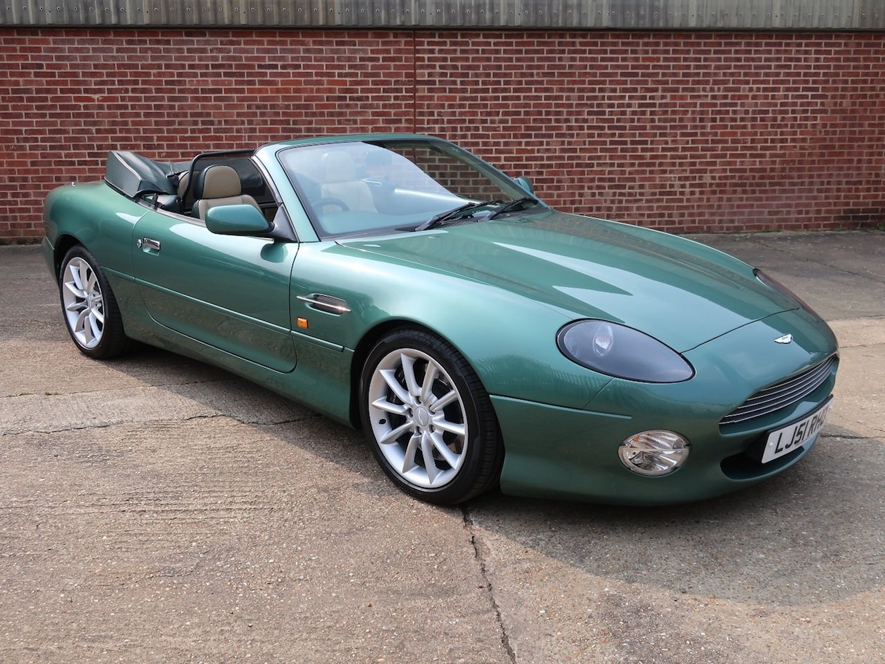 2002 Aston Martin Vantage Volante For Sale (picture 1 of 6)