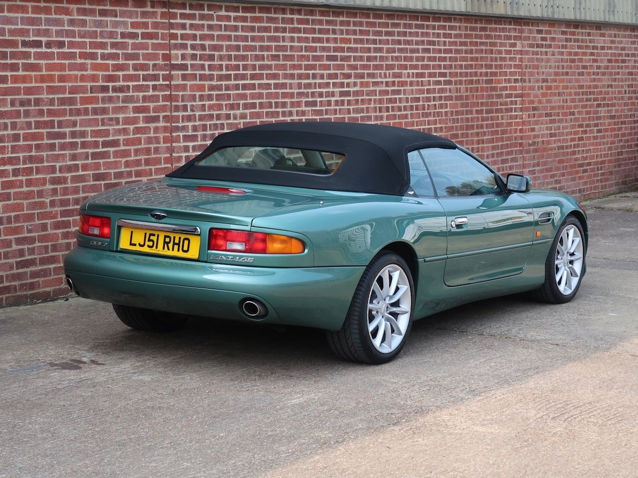 2002 Aston Martin Vantage Volante For Sale (picture 3 of 6)