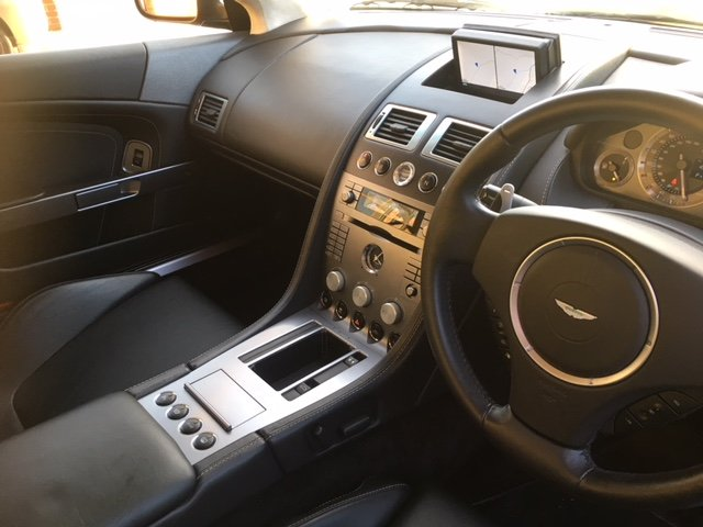 2006 Immaculate Aston Martin DB9. FSH, MOT April 2020 For Sale (picture 4 of 6)