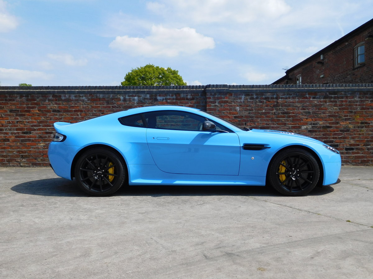 2017 Aston Martin Vantage V12 S Manual (Delivery Miles) RHD For Sale (picture 2 of 6)
