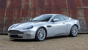 Picture of 2004 ASTON MARTIN VANQUISH V12 SOLD