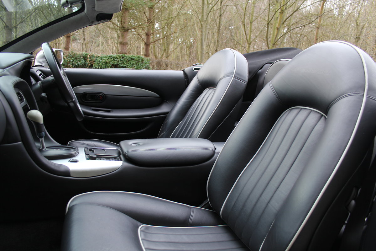 1998 Aston Martin DB7 Convertible - Alfred Dunhill Edition For Sale (picture 8 of 12)
