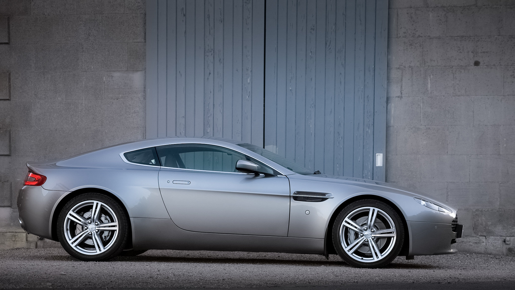 2009 Aston Martin Vantage 4.7 V8 For Sale (picture 3 of 6)