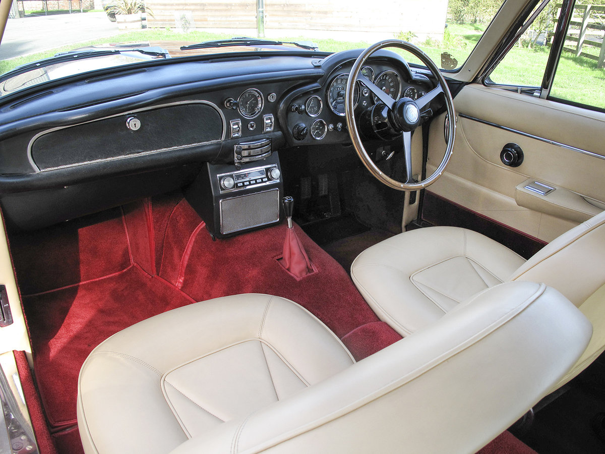 1967 Aston Martin DB6 **NOW SOLD** For Sale (picture 3 of 6)