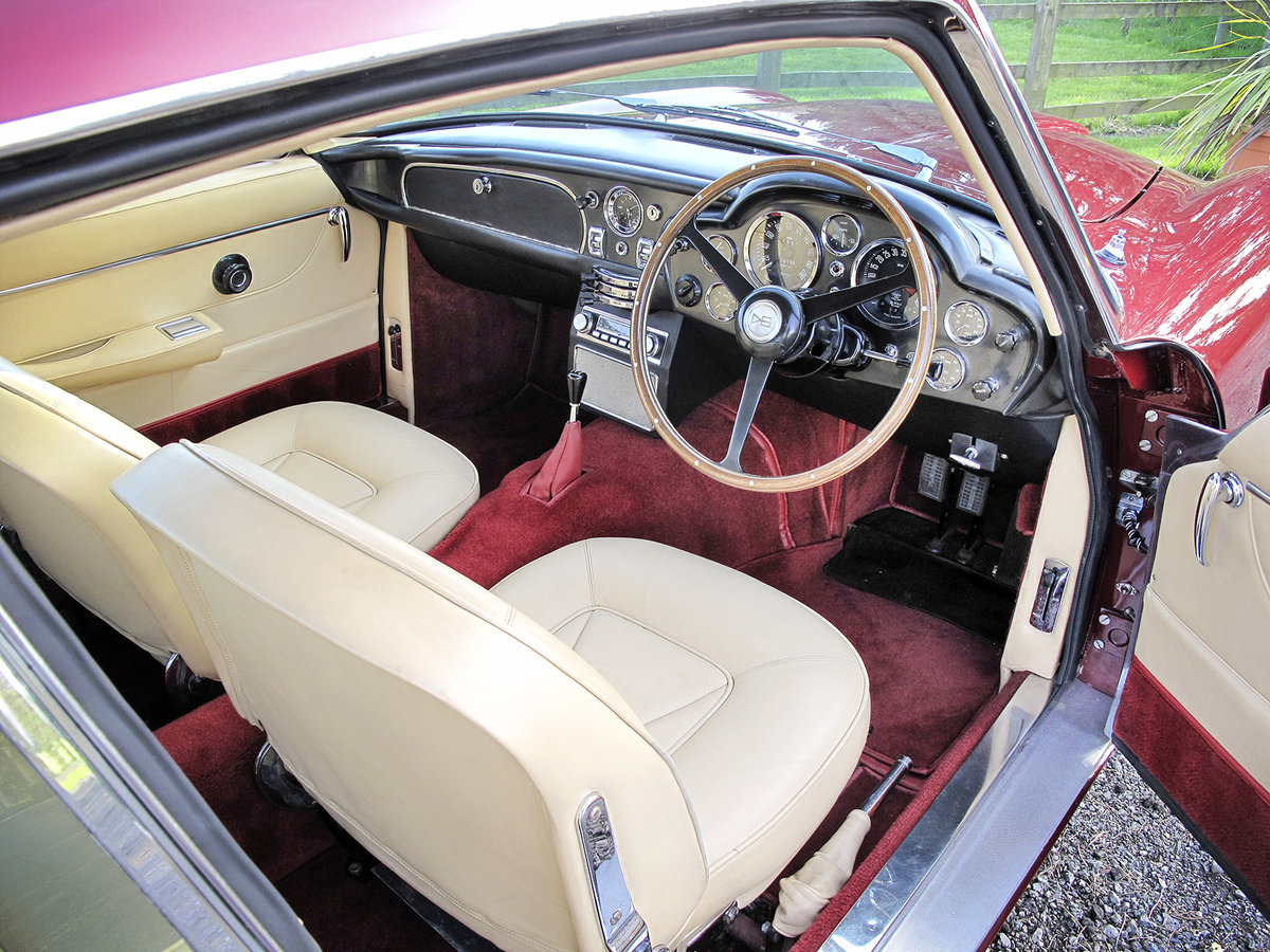 1967 Aston Martin DB6 **NOW SOLD** For Sale (picture 4 of 6)