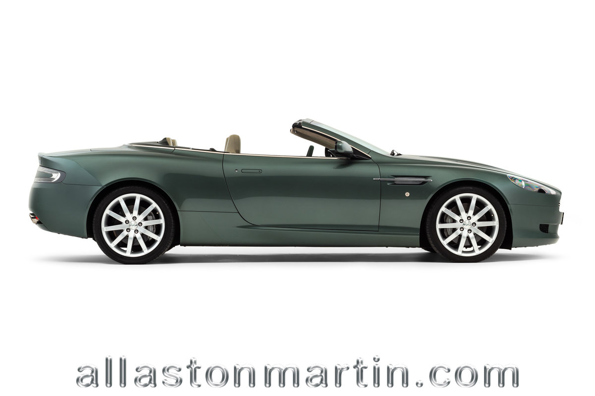 2006 Rare Manual Aston Martin DB9 Volante with tailored luggage For Sale (picture 2 of 6)
