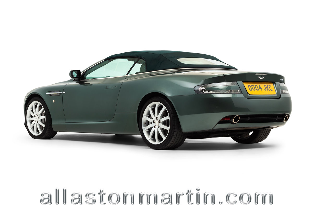 2006 Rare Manual Aston Martin DB9 Volante with tailored luggage For Sale (picture 4 of 6)