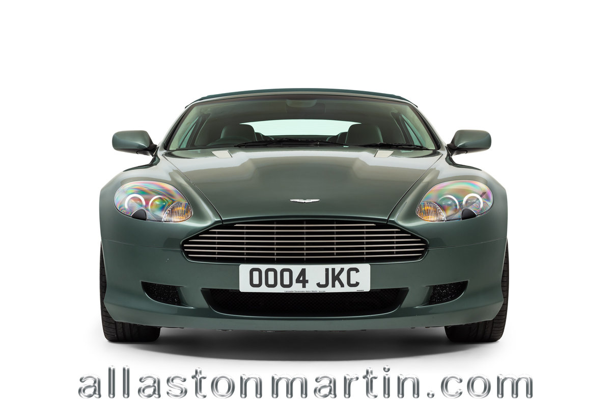 2006 Rare Manual Aston Martin DB9 Volante with tailored luggage For Sale (picture 6 of 6)