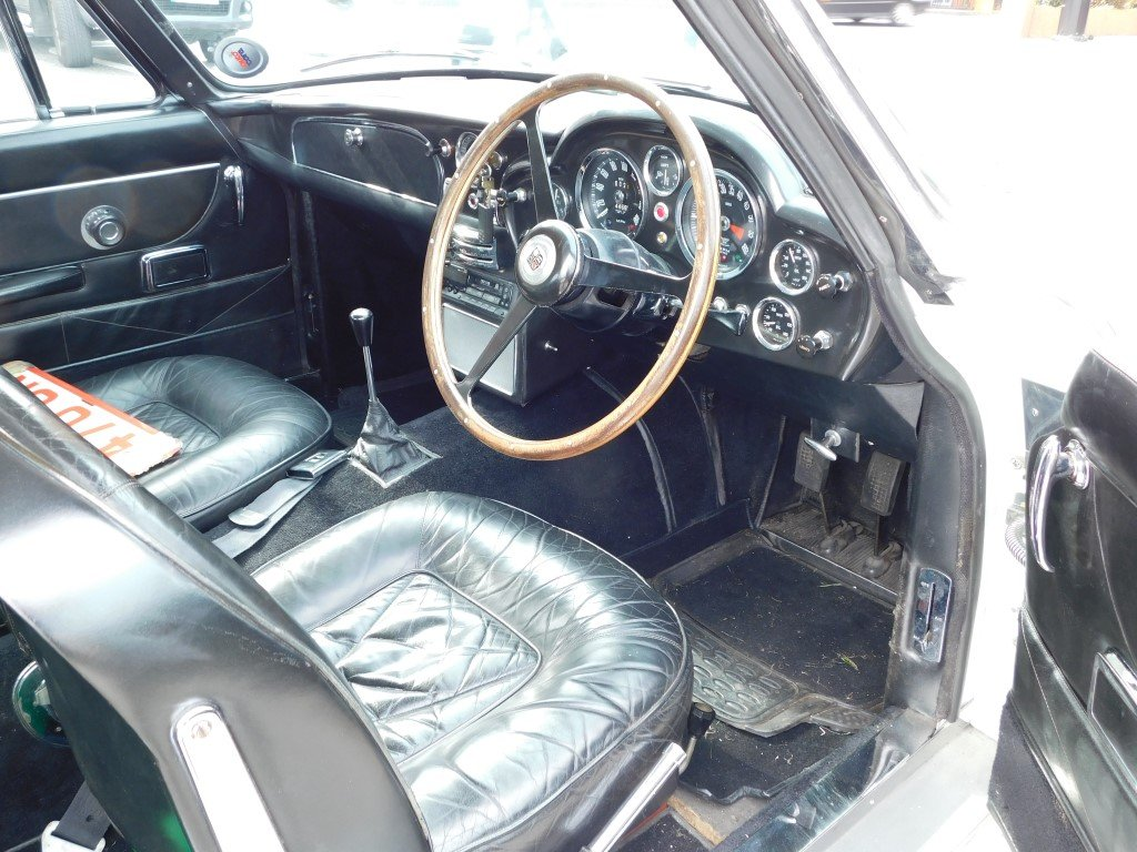 1969 Aston Martin DB6 Vantage RHD For Sale (picture 4 of 5)