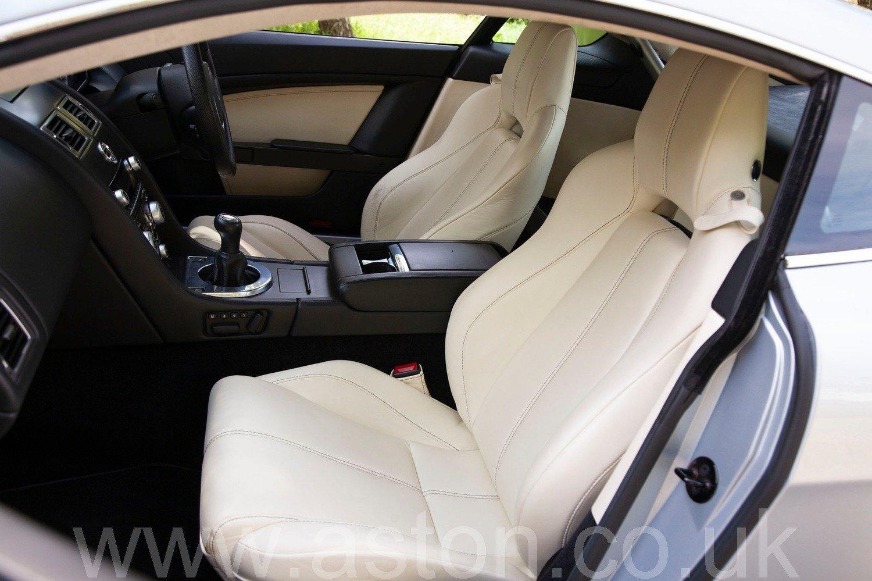 2009 V8 Vantage Manual For Sale (picture 3 of 6)