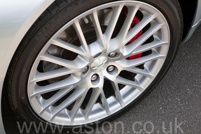 2009 V8 Vantage Manual For Sale (picture 4 of 6)