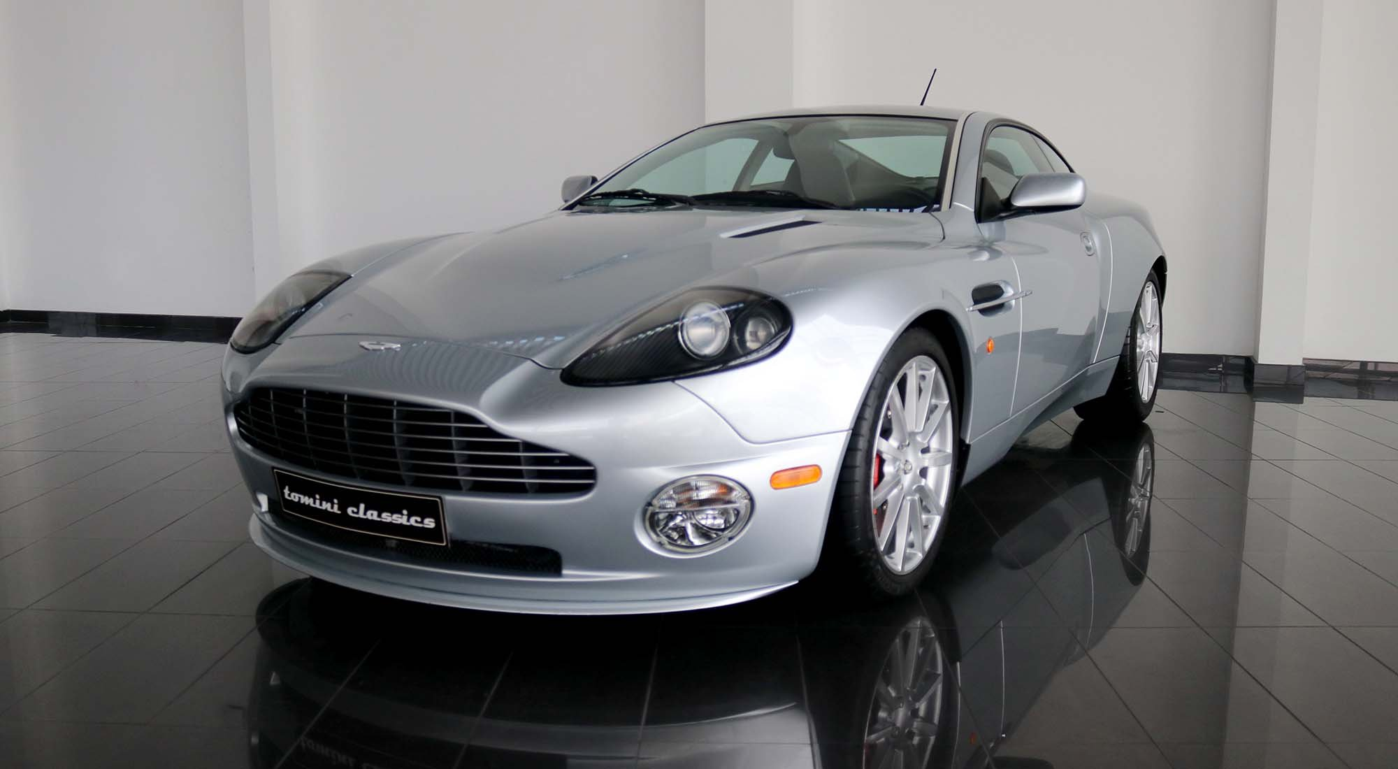 Aston Martin Vanquish S (2006) For Sale (picture 2 of 6)