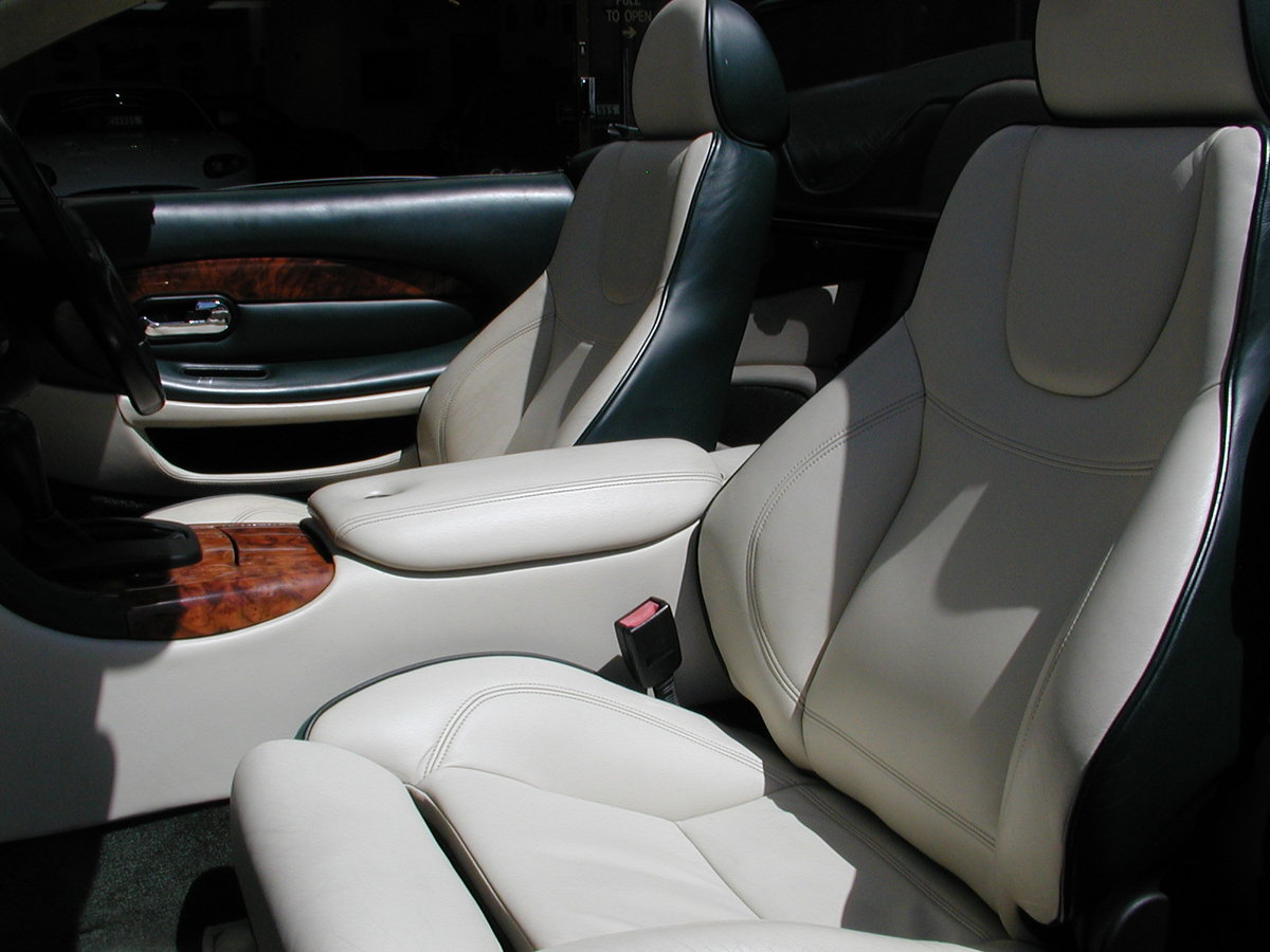 2002 ASTON MARTIN DB7 VANTAGE VOLANTE 29,000 MILES FROM NEW For Sale (picture 5 of 6)