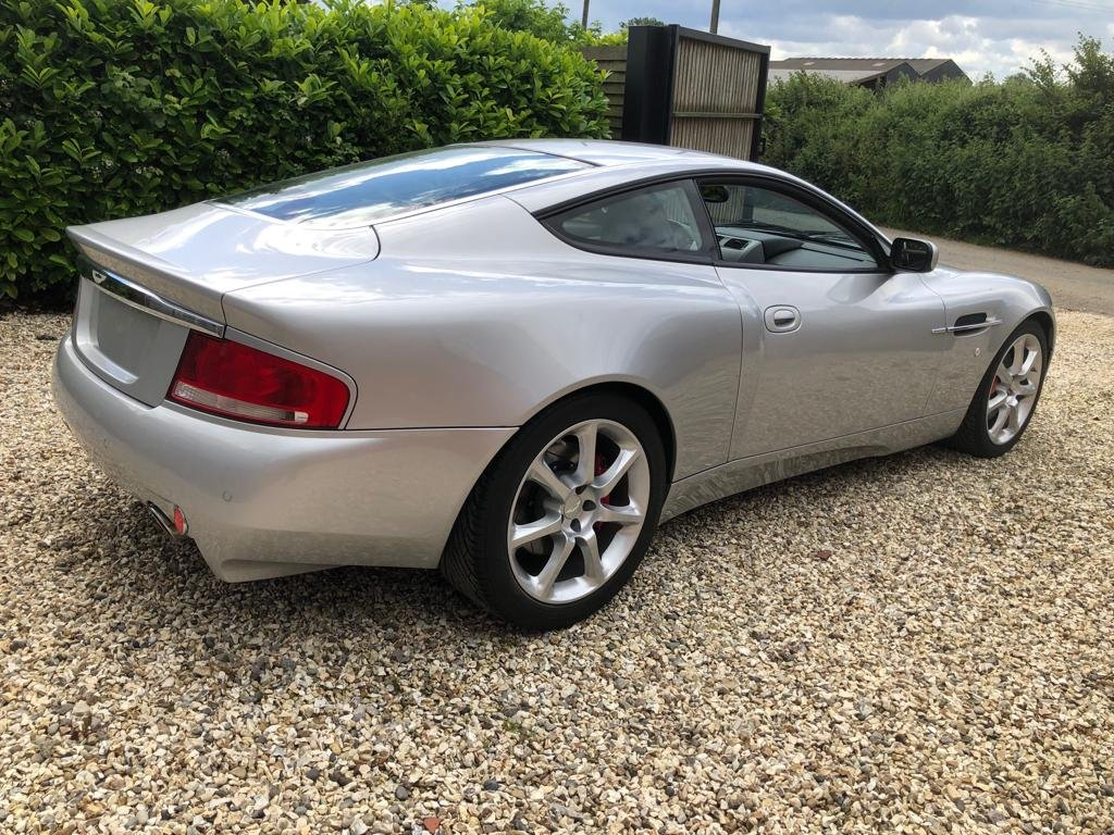 2004 Aston Martin Vanquish ONLY 5,600 miles as new immaculat For Sale (picture 3 of 6)