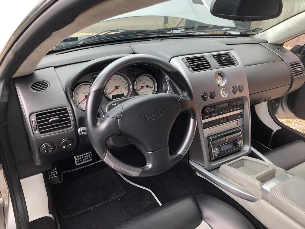 2004 Aston Martin Vanquish ONLY 5,600 miles as new immaculat For Sale (picture 4 of 6)