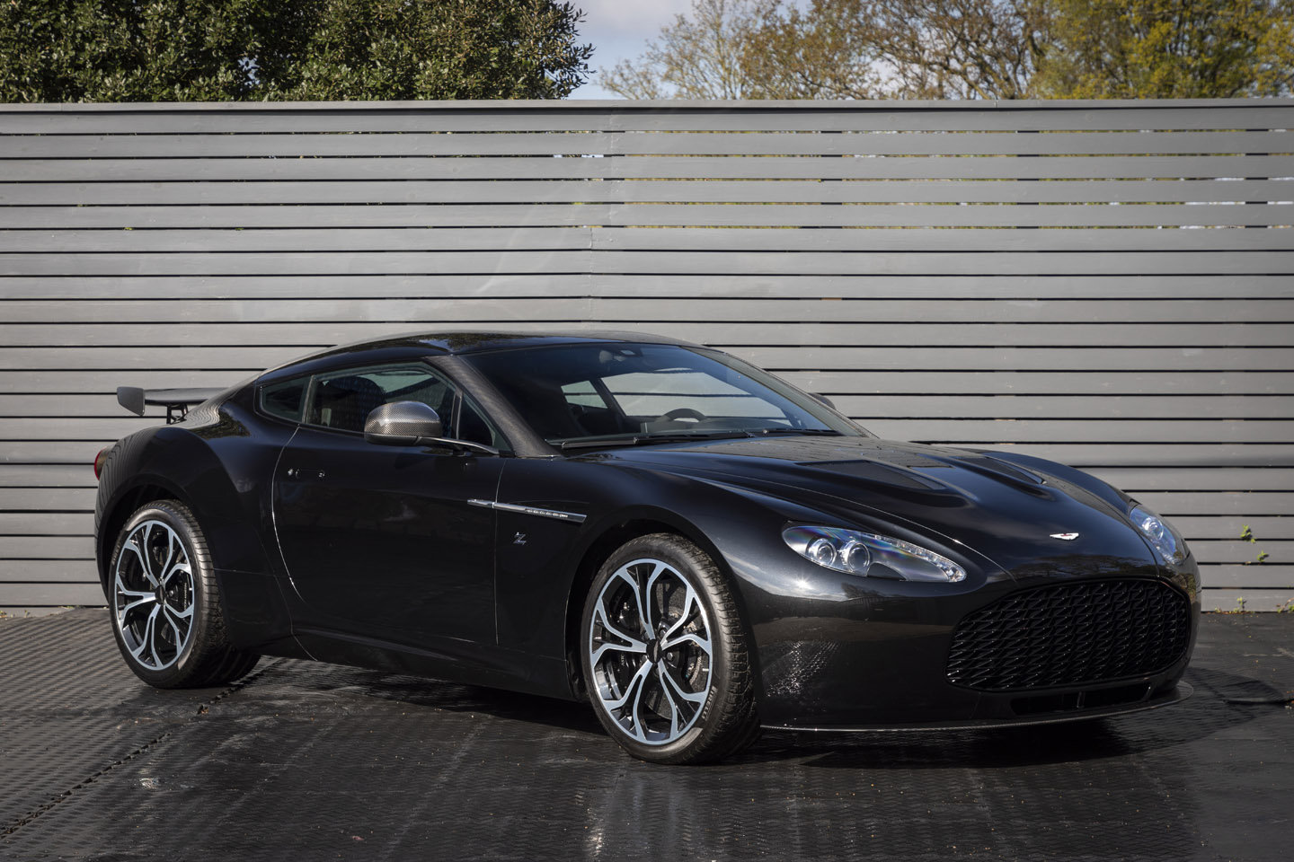 ASTON MARTIN ZAGATO V12, LHD, 2013 ONLY 400 MILES SOLD (picture 1 of 6)