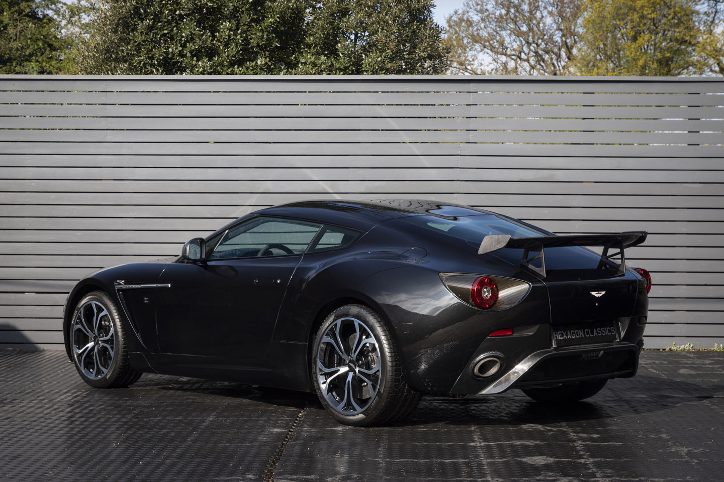 ASTON MARTIN ZAGATO V12, LHD, 2013 ONLY 400 MILES SOLD (picture 2 of 6)