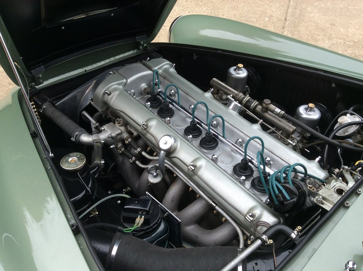 1960 Aston Martin DB4 Series 11 SOLD (picture 5 of 6)