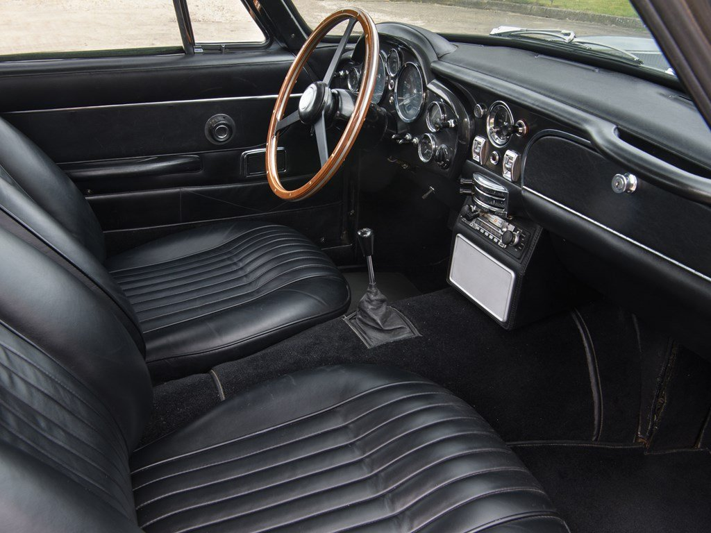 1969 Aston Martin DB6 Vantage Mk II For Sale by Auction (picture 4 of 6)