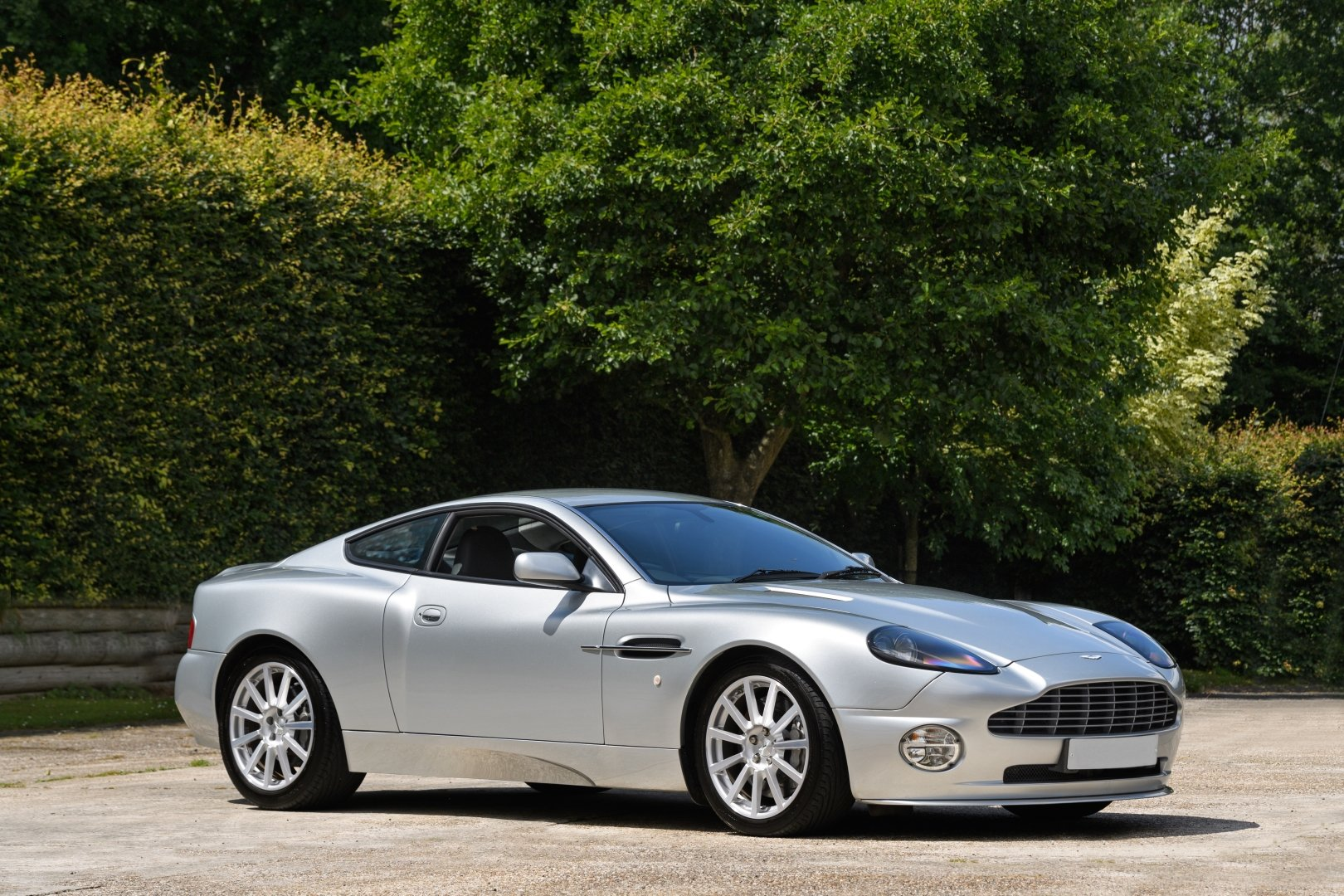 2005 Aston Martin Vanquish S - AM Works 6 Speed Manual  For Sale (picture 1 of 6)