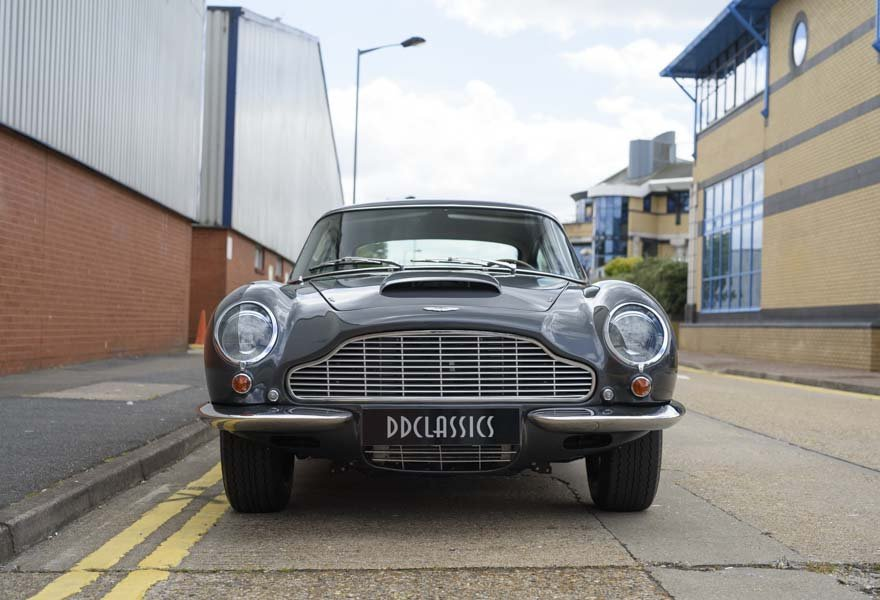 Aston Martin DB6 Vantage (LHD) 1967 For Sale In London  For Sale (picture 4 of 12)