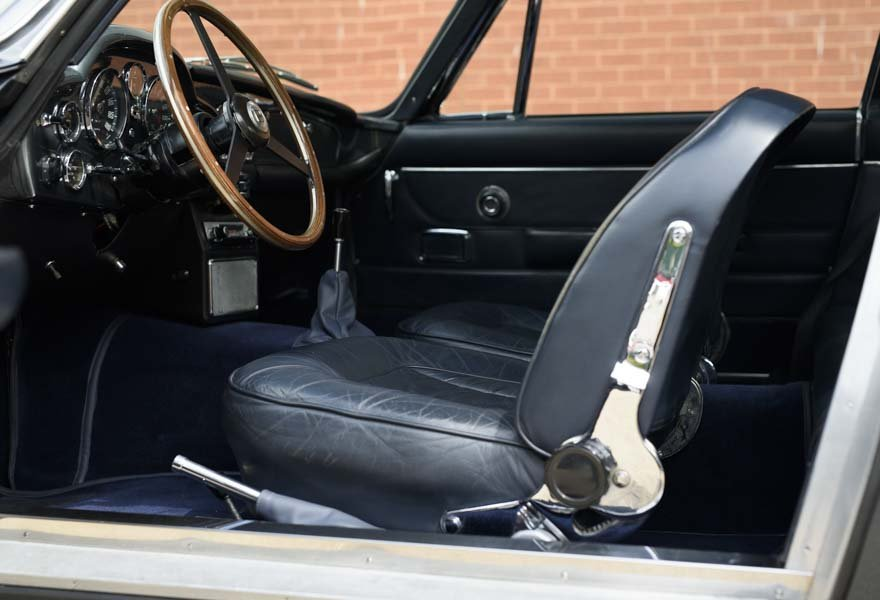 Aston Martin DB6 Vantage (LHD) 1967 For Sale In London  For Sale (picture 10 of 12)