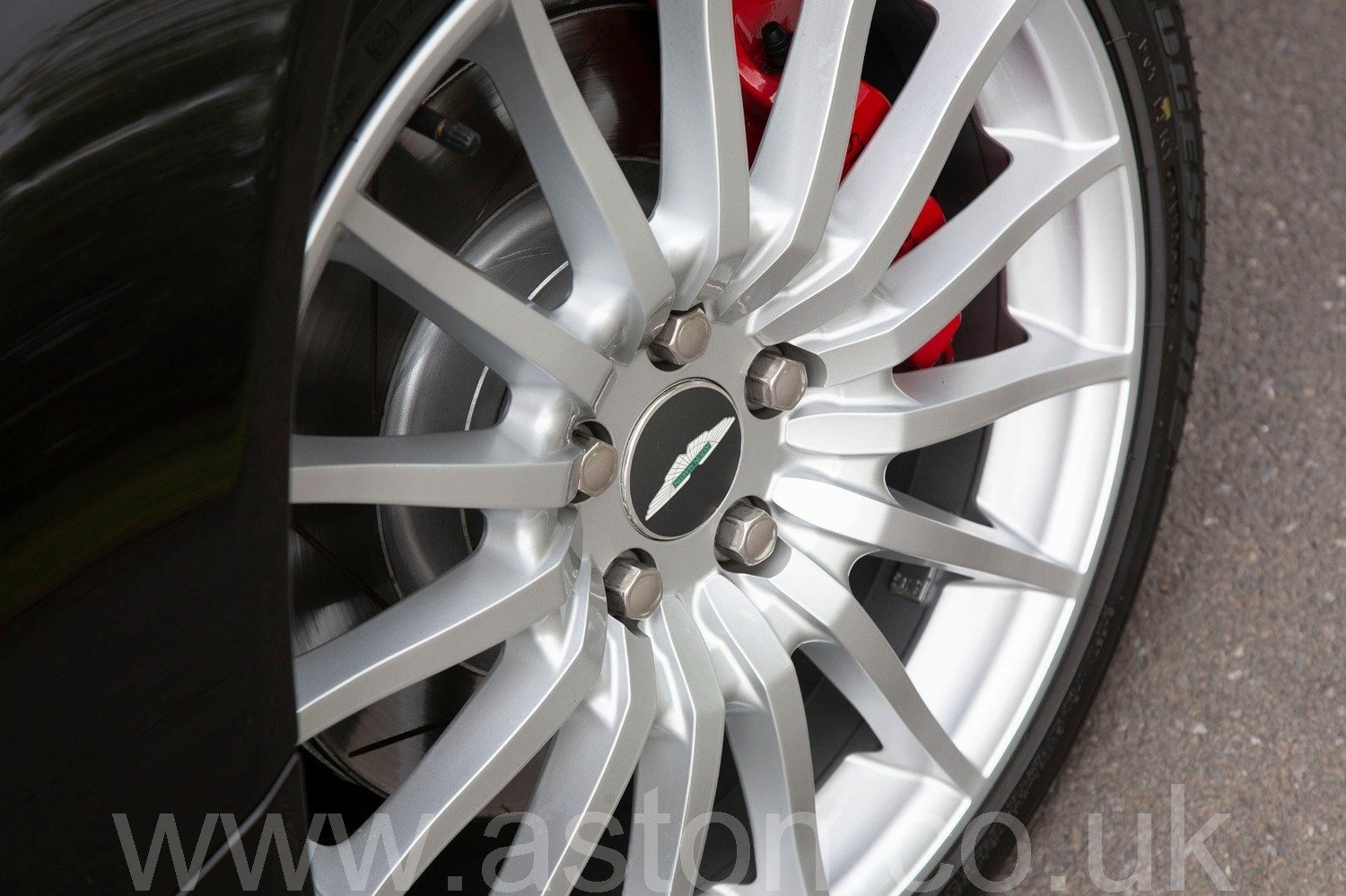 2005 Semi-Automatic DB9 Coupe For Sale (picture 4 of 6)
