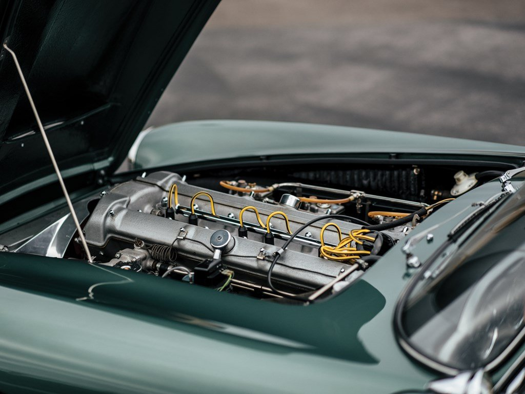 1961 Aston Martin DB4 Series II  For Sale by Auction (picture 3 of 6)