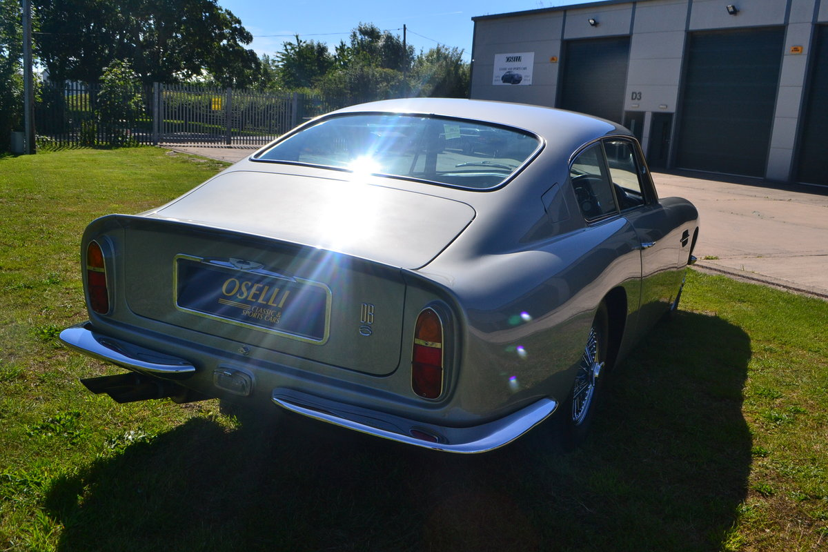 1969 Aston Martin DB6 For Sale (picture 3 of 6)