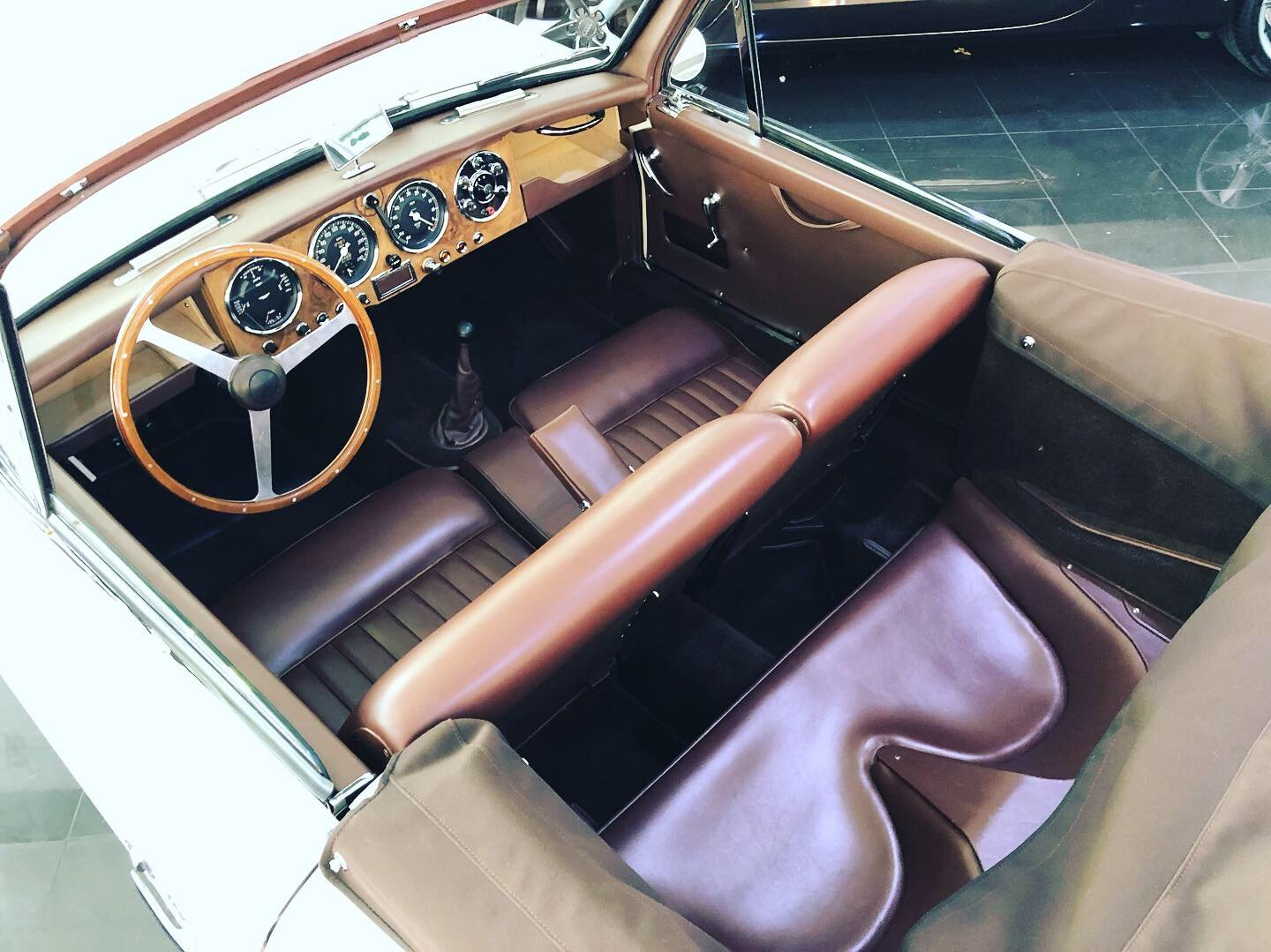 1954 Aston Martin DB2/4 MK I convertible For Sale (picture 5 of 6)