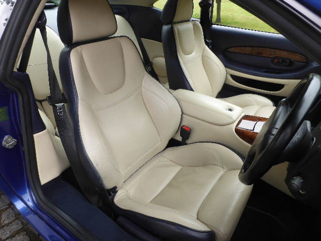 2000 Aston Martin DB7 Vantage For Sale (picture 5 of 6)
